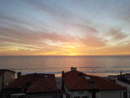 Carlsbad Inn timeshare Oak building sunset